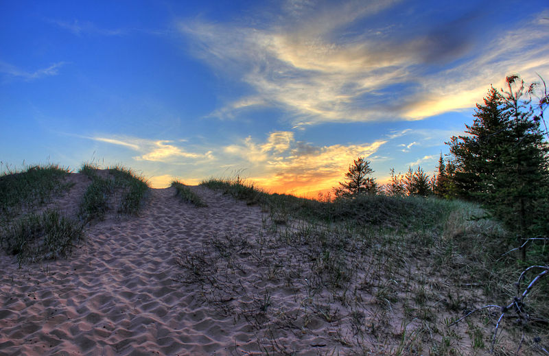 File:Gfp-michigan-pictured-rocks-national-lakeshore-another-sunset-over-the-dunes.jpg