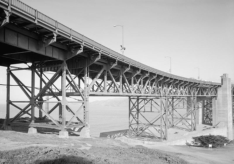 File:Golden Gate Bridge trusses, HAER CA-31-14.jpg