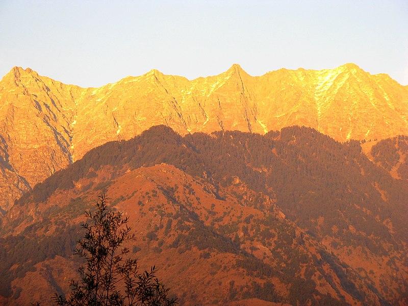 File:Golden Mountains - panoramio.jpg