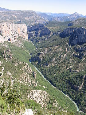 Gorges du Verdon from North Rim 0251.jpg