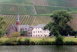 Graach - Josefshof and vineyards.jpg