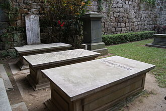 John Robert Morrison - The grave of Morrison in the Old Protestant Cemetery in Macau, next to his parents