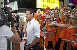 Gregory van der Wiel - Van der Wiel with Dutch fans.