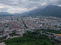 Grenoble city view from the ropeway top - panoramio.jpg