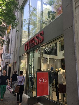 Guess (clothing) - Guess store in Philadelphia - Pennsylvania