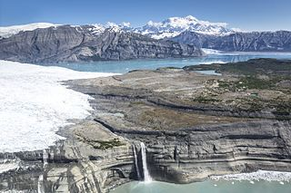 Pacific Coastal Mountain icefields and tundra