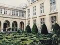 Hôtel de Sully (46374345421).jpg