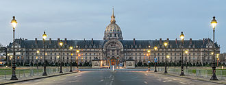 Les Invalides - The north front of the Invalides: Mansart's dome above Bruant's pedimented central block