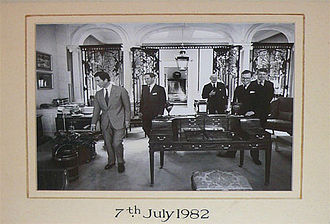 Mallett Antiques - HRH The Prince of Wales visiting Mallett in 1982 with Lanto Synge, Francis Egerton, Peter Maitland and the Hon. Peter Dixon.
