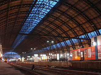 Amsterdam Centraal station - First station roof (1889), designed by L.J. Eijmer, as seen from platform 2.