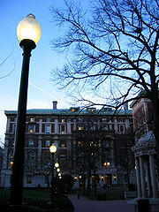 Looking toward Hamilton Hall, home of the College, on the campus of Columbia University.