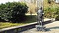 Hanau Schlossgarten 6Schwäne-Schwester-2-Skulptur.jpg