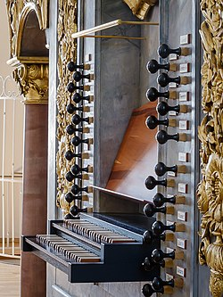 Horb (Neckar), Stiftskirche Heilig Kreuz, Orgel (9).jpg