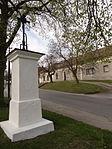 Hostín - křížek v severní části vsi (2).JPG