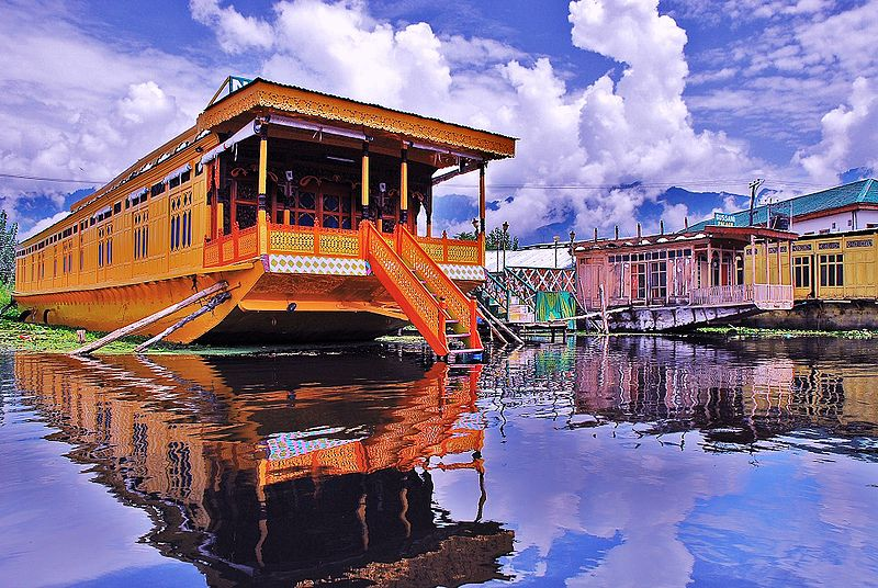 File:Houseboat- Dal Lake, srinagar Kashmir.JPG