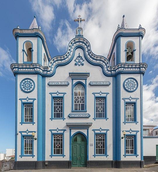 Esta imagem tem um texto alternativo em branco, o nome da imagem é 640px-Vista_desde_el_pico_de_Arieiro%2C_Madeira%2C_Portugal%2C_2019-05-30%2C_DD_142-146_PAN.jpg