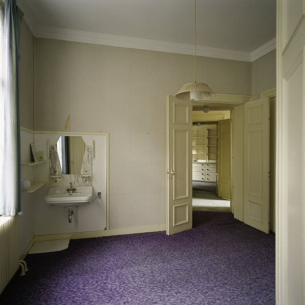 Bekend File:Interieur, overzicht van slaapkamer met wastafel en met RO67