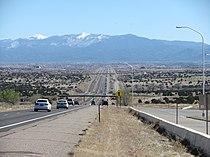 Interstate 25 approaching Santa Fe New Mexico.jpg