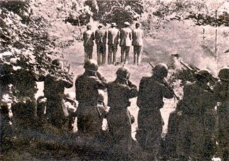 Foibe massacres - Italian soldiers shooting Slovenian hostages