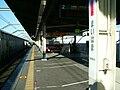 JREast-Maihama-station-platform.jpg