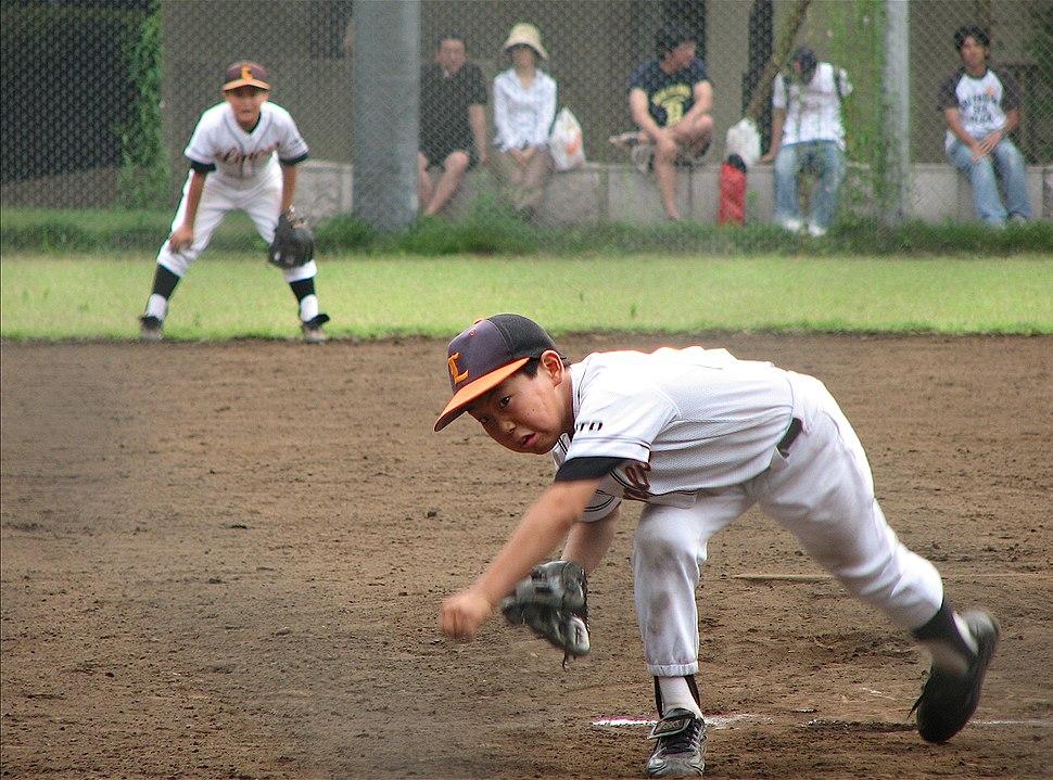 Japanese kid pitching