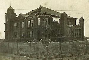 1909 Velasco hurricane - Image: Jeff Davis High School Damage 1909