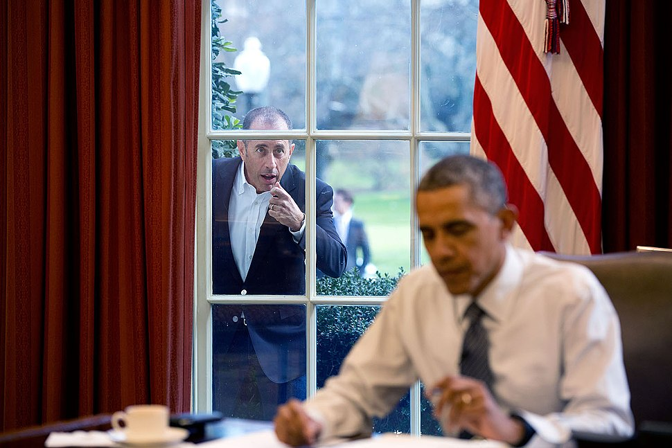 Jerry Seinfeld knocks on the Oval Office window