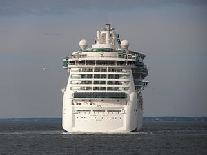 Jewel of the Seas Stern Tallinn 15 August 2012.JPG