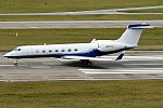 Johnson & Johnson, N800J, Gulfstream G550 (26266708308).jpg