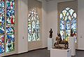 Köln Museum Schnütgen 2012 Große Ausstellungshalle Glasfenster Skulpturen.jpg