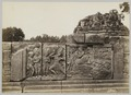 KITLV 12234 - Kassian Céphas - Reliefs on the terrace of the Shiva temple of Prambanan near Yogyakarta - 1889-1890.tif