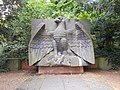 Kamp-Lintfort-Soldatenfriedhof Niersenberg 03.jpg