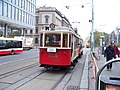 Karlovo náměstí, historická tramvaj (01).jpg