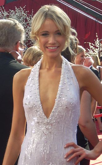 Red carpet fashion in 2008 - Image: Katrina Bowden