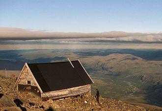 Kebnekaise - Image: Kebnekaise old peak cottage
