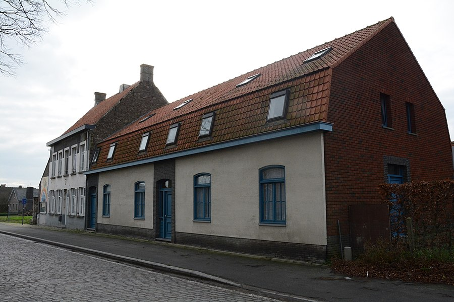 Dorpswoningen met hoeve, Kerkplein 3-5, Ronsele