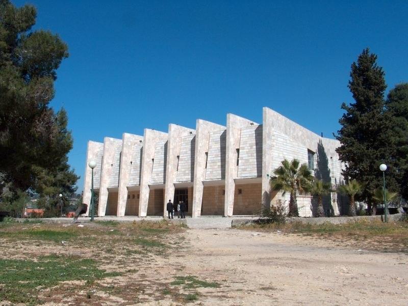 בניין ישיבת טלז סטון שבנייתו לא הסתיימה, 2007