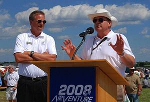 Klapmeier brothers - Dale Klapmeier (left) and Alan Klapmeier (right) speaking at EAA AirVenture Oshkosh in 2008