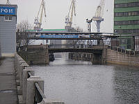 Korabelny bridge in Saint Petersburg.jpg