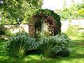 L'Isle-Adam (95), château de Stors, kiosque de verdure au parc.jpg