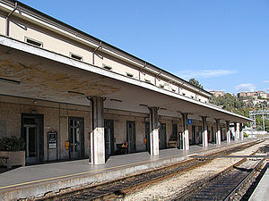 L'Aquila railway station - View of the main platform