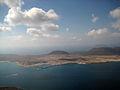 La Graciosa desde Lanzarote-Macizo de Famara.jpg