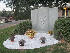LaSalle Parish, Louisiana - Veterans monument at the LaSalle Parish Courthouse