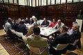 La alcaldesa se reúne con los representantes del sector del taxi para solucionar sus problemas 01.jpg
