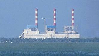 Lakvijaya Power Station - Image: Lakvijaya December 2012 3 crop