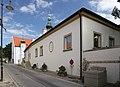 Langenzersdorf - Pfarrhof.JPG