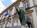 León en la plaza Guillaume II en Luxemburgo.jpg