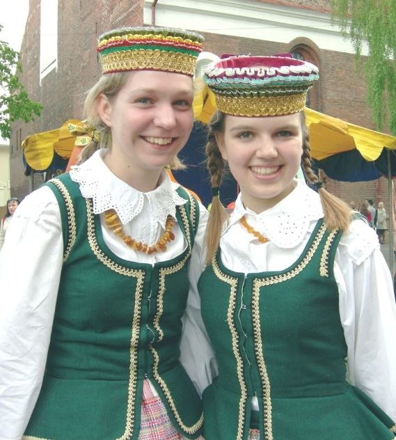 Lithuanian traditional headdress