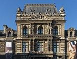 Louvre Palace North Gate Top.jpg