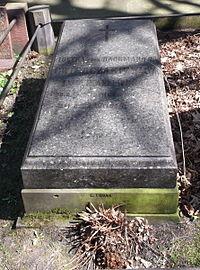 Lucyna Cwierciakiewiczowa tomb.jpg